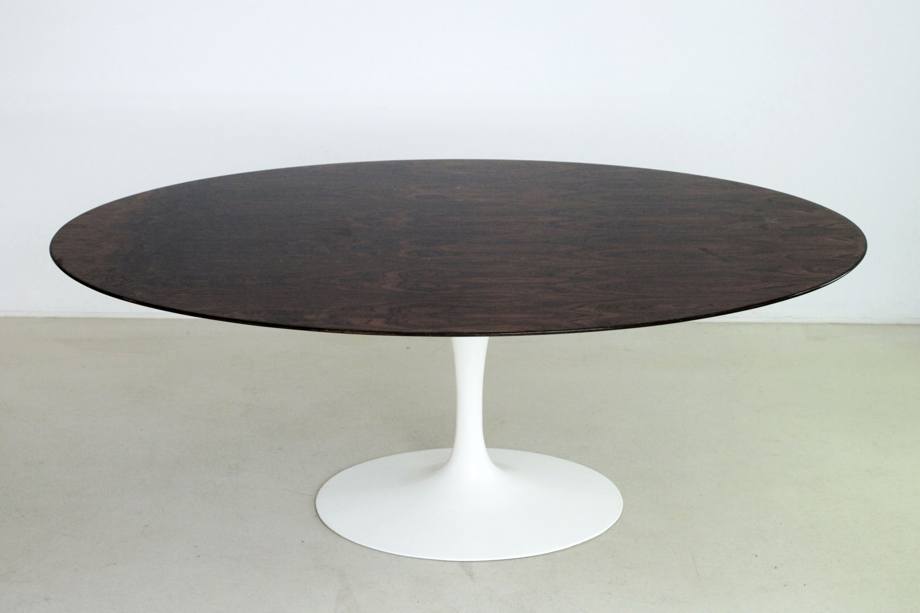 italian tulip rio rosewood dining table by eero saarinen. Black Bedroom Furniture Sets. Home Design Ideas