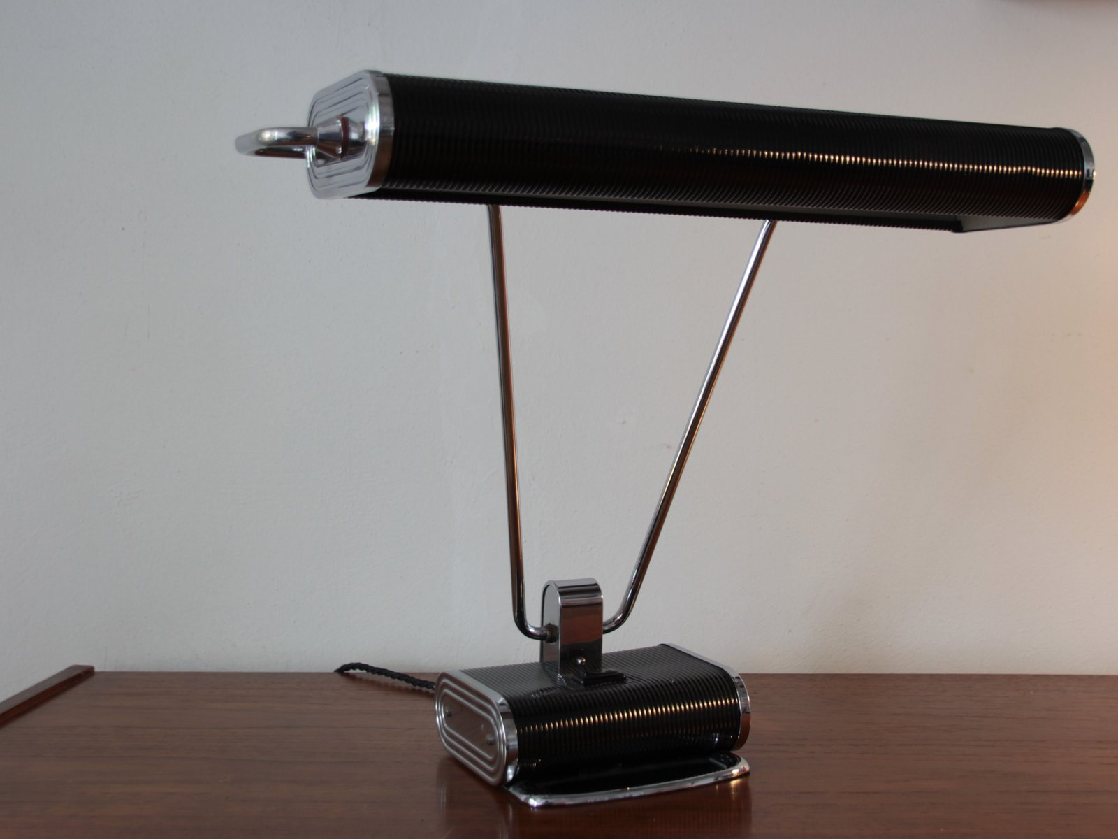 lampe de bureau art d co en chrome noir par eileen gray pour jumo france en vente sur pamono. Black Bedroom Furniture Sets. Home Design Ideas