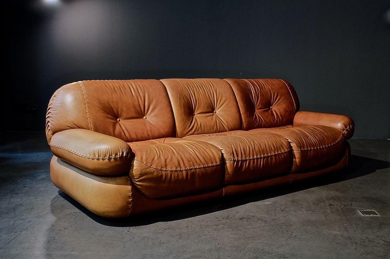 italienisches saporro sofa von mobilgirgi bei pamono kaufen. Black Bedroom Furniture Sets. Home Design Ideas