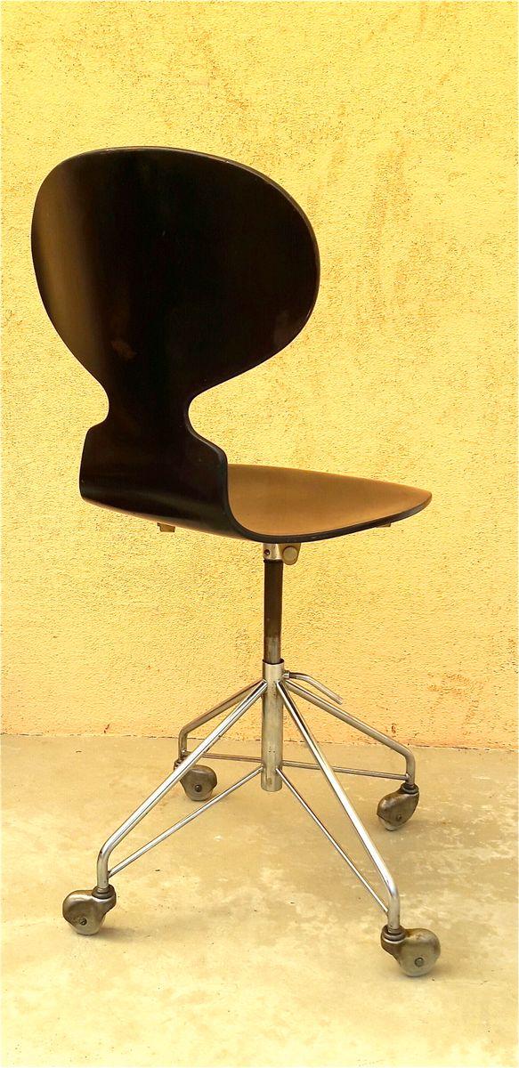 skandinavischer stuhl von arne jacobsen f r fritz hansen. Black Bedroom Furniture Sets. Home Design Ideas