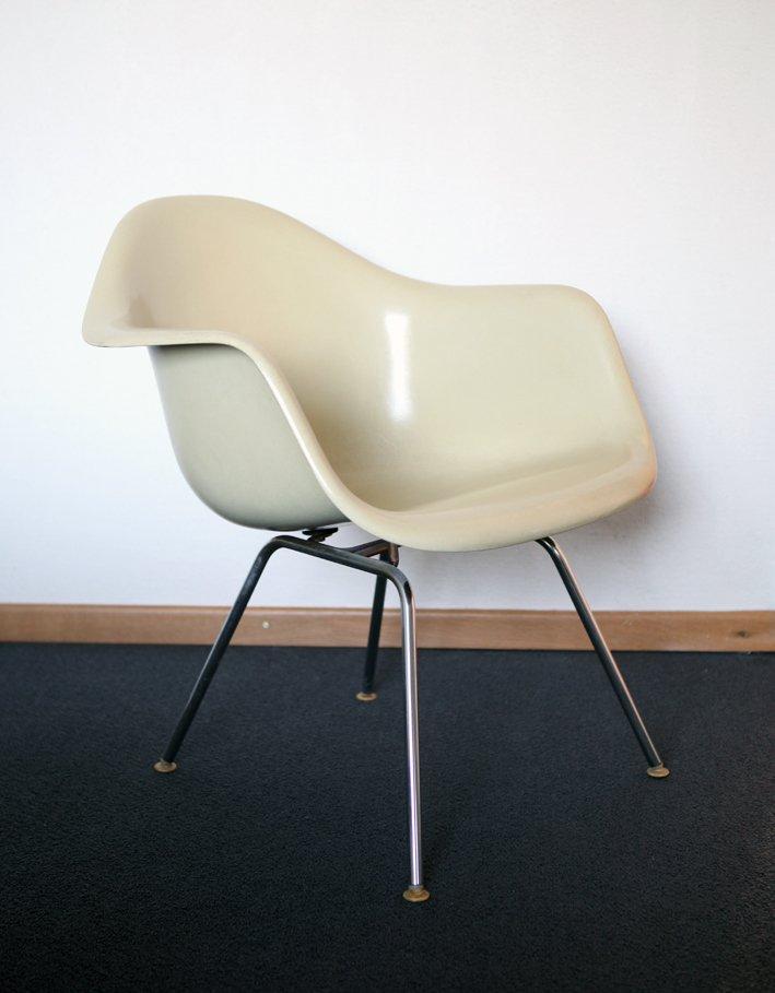dax glasfaser stuhl von charles ray eames f r vitra 1970er bei pamono kaufen. Black Bedroom Furniture Sets. Home Design Ideas