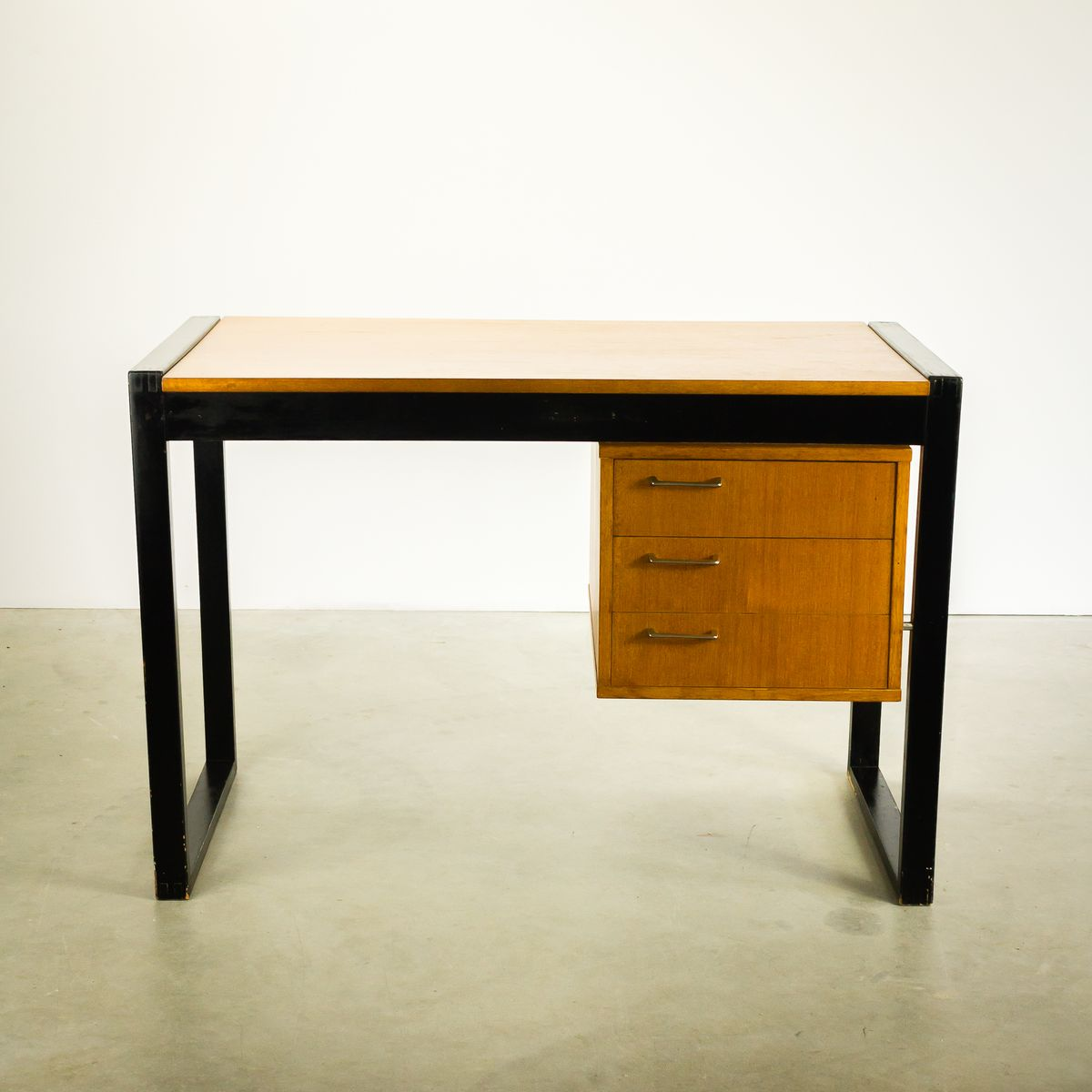 Small Teak Desk With Three Drawers 1970s For Sale At Pamono