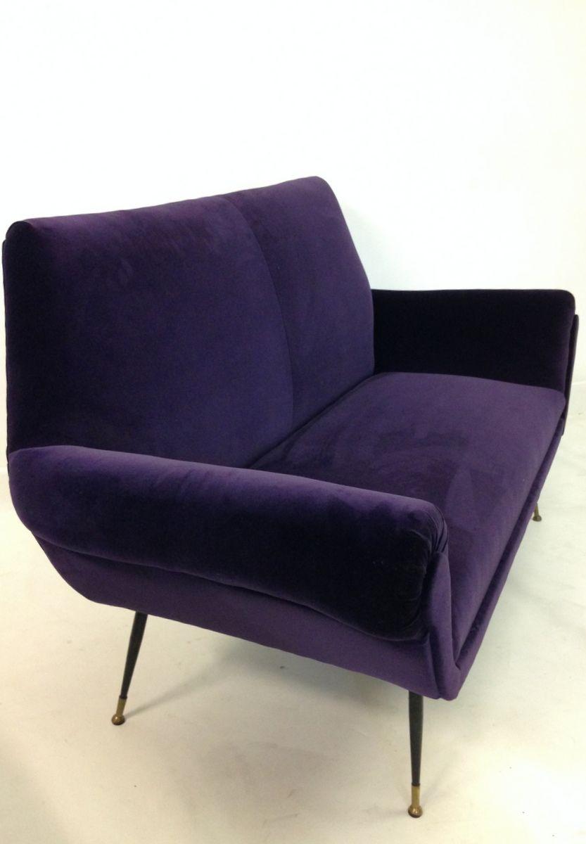 italienisches aubergine samt sofa 1960er bei pamono kaufen. Black Bedroom Furniture Sets. Home Design Ideas