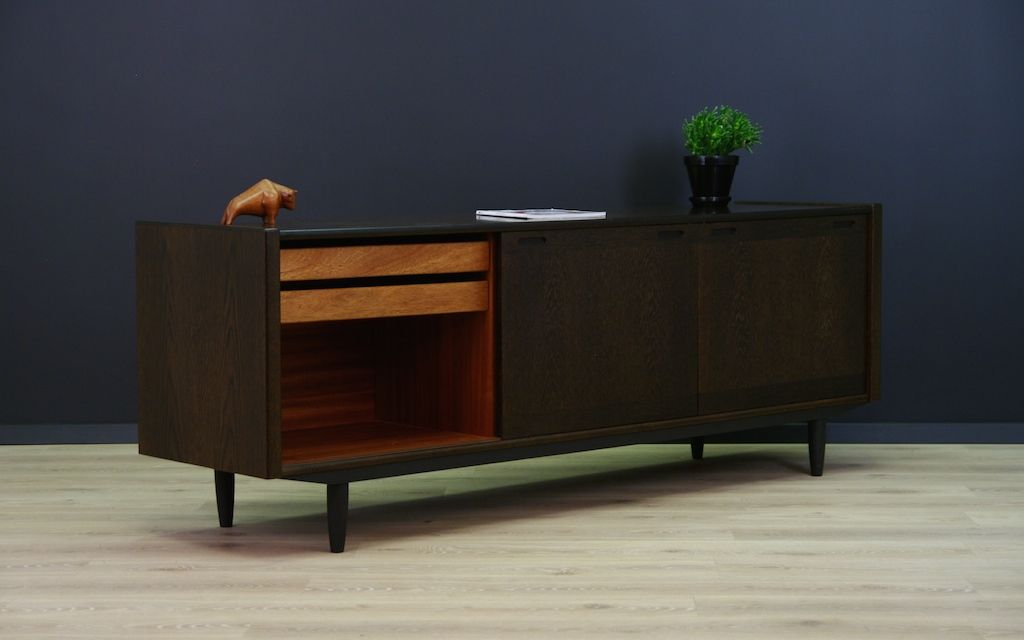 d nisches eichenholz sideboard 1970er bei pamono kaufen. Black Bedroom Furniture Sets. Home Design Ideas
