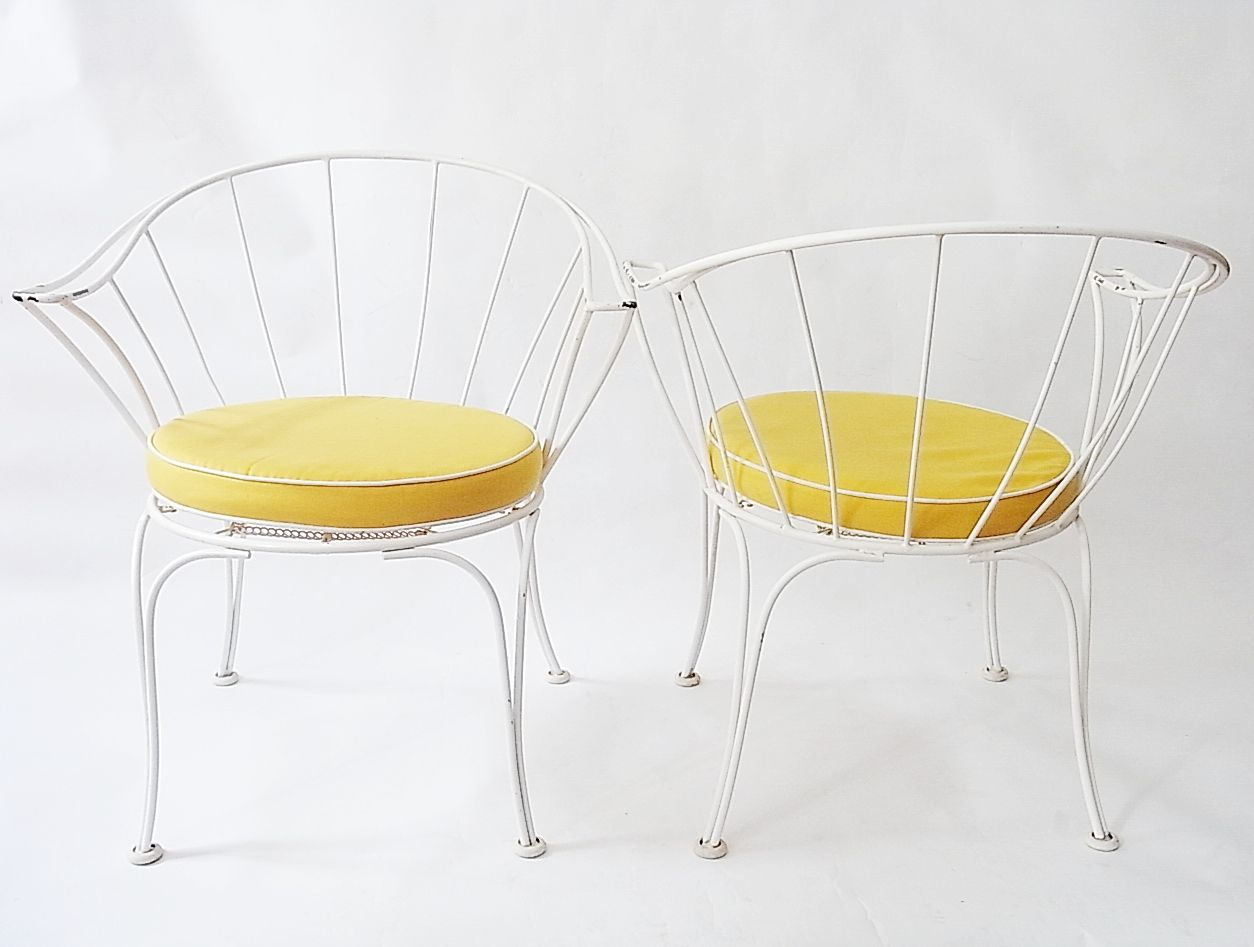 franz sische gartenst hle aus lackiertem metall mit gelben stoffkissen 1950er 4er set bei. Black Bedroom Furniture Sets. Home Design Ideas