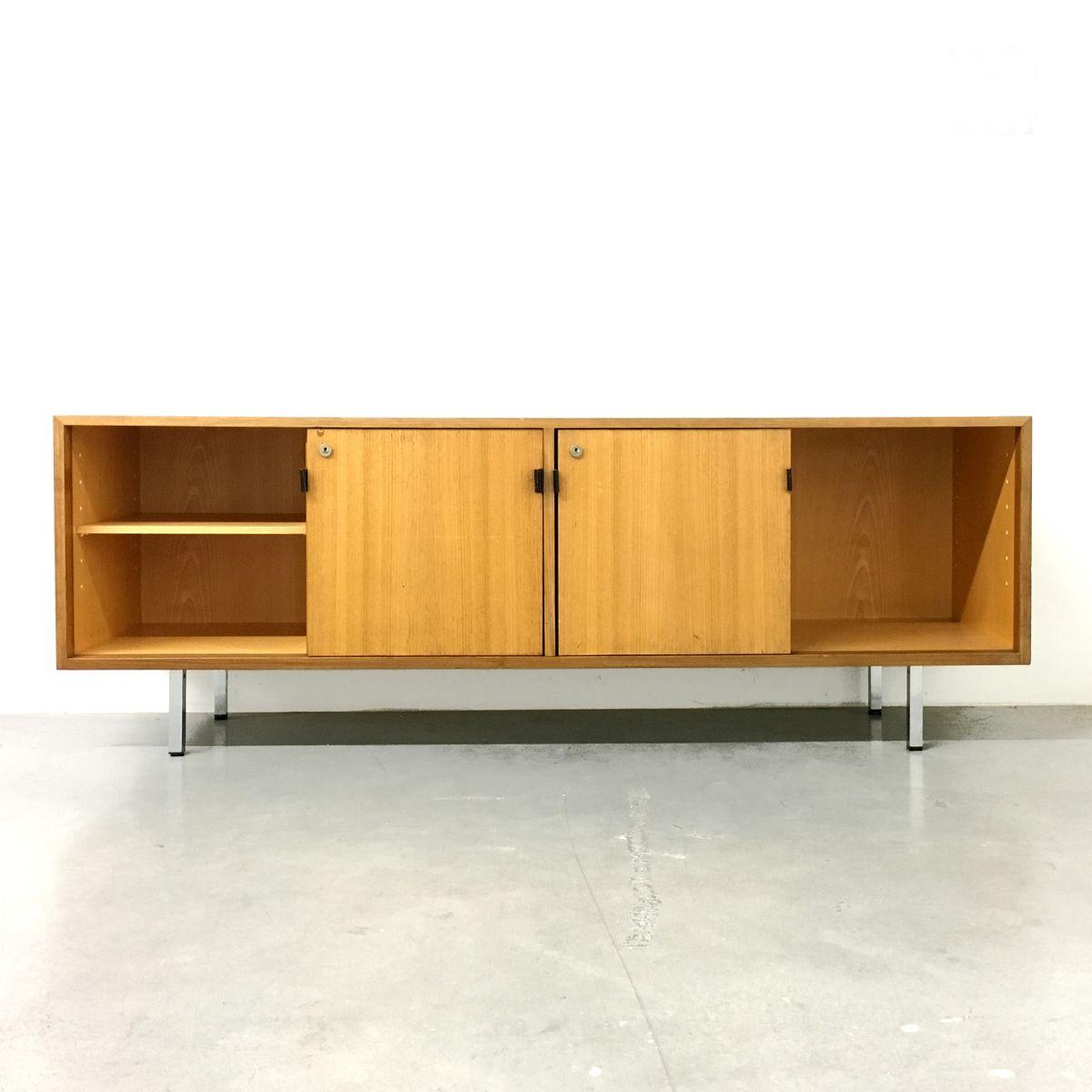 enfilade en noyer par florence knoll pour knoll international etats unis 1960s en vente sur pamono. Black Bedroom Furniture Sets. Home Design Ideas
