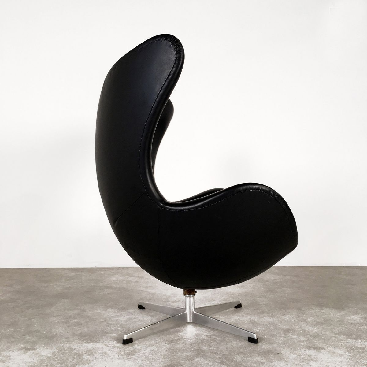 d nischer egg chair von arne jacobsen f r fritz hansen. Black Bedroom Furniture Sets. Home Design Ideas
