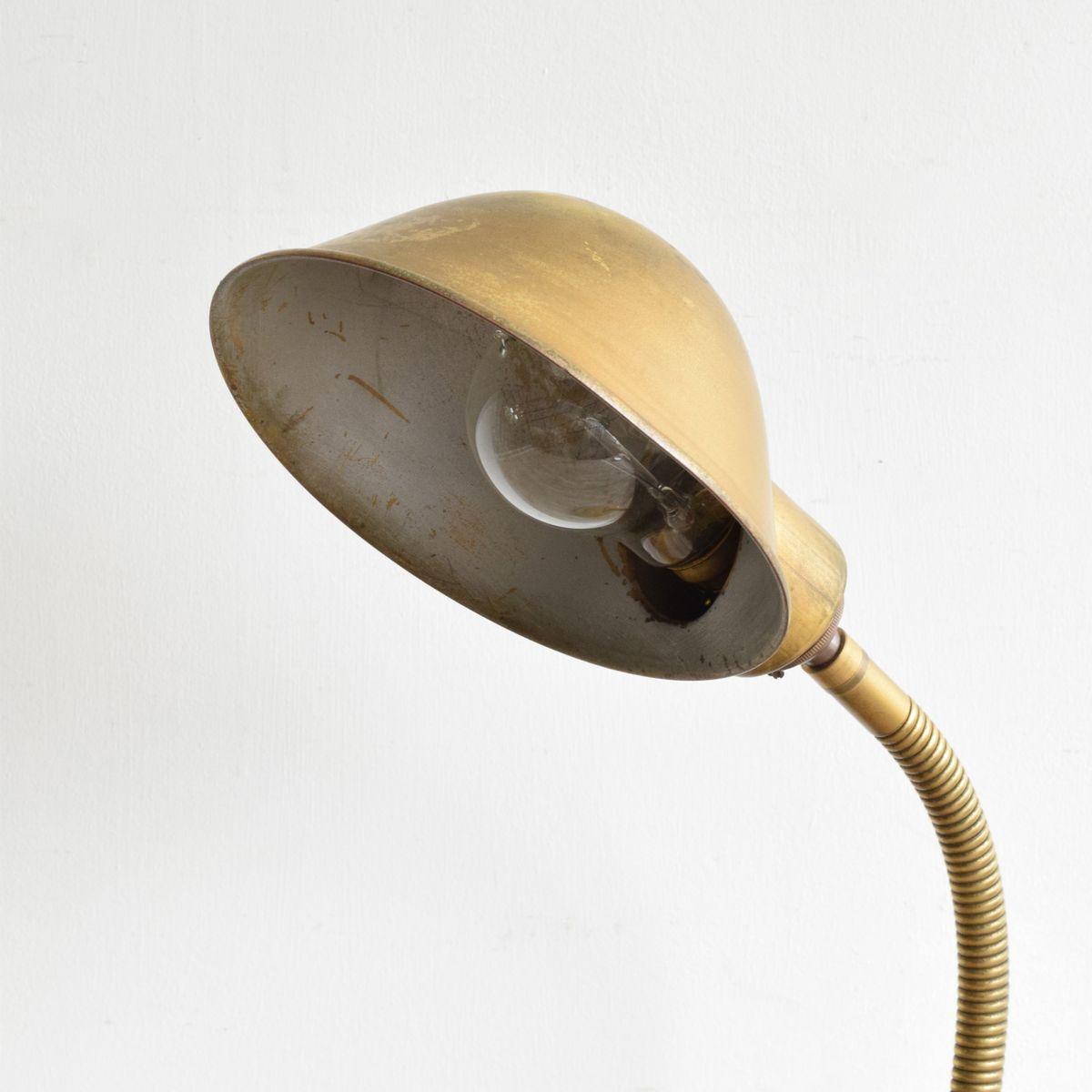 goldene tischlampe mit gelenk bei pamono kaufen. Black Bedroom Furniture Sets. Home Design Ideas