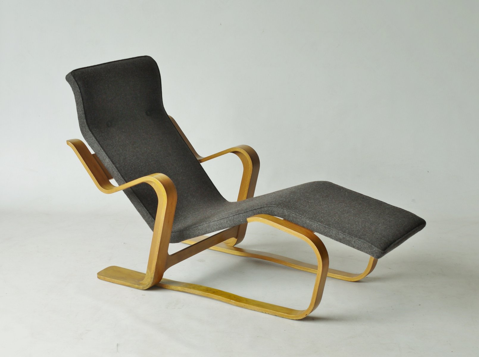 Modernist Plywood Long Chair by Marcel Breuer, 1960s for sale at Pamono