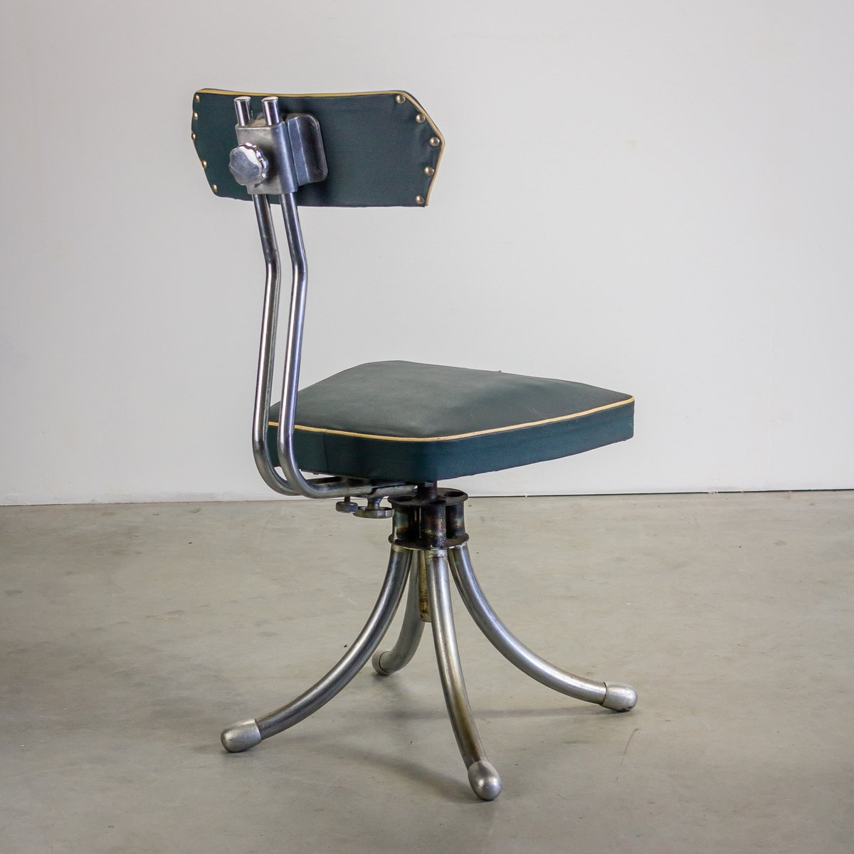 French industrial design desk chair 1950s for sale at pamono for Industrial design chair
