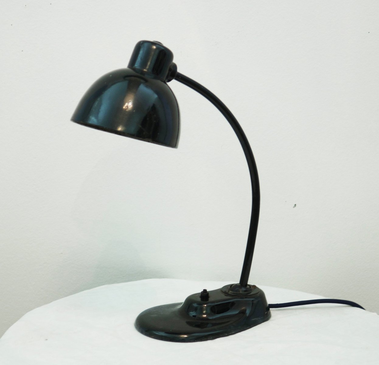 Bauhaus desk lamp by marianne brandt for kandem leuchte for Bauhaus replica deutschland