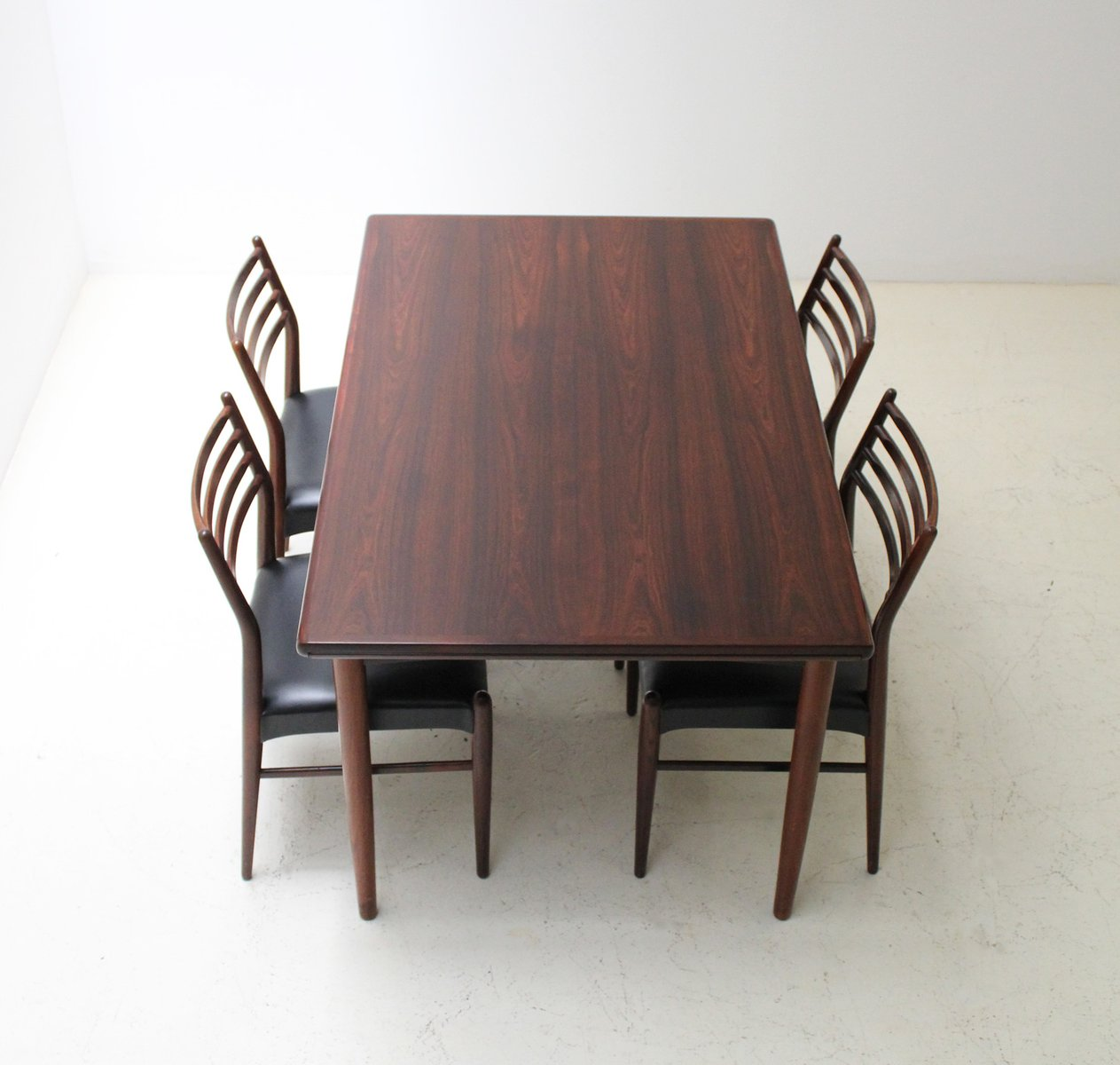 Mid Century Danish Extendable Rosewood Dining Table From Skovby, 1960s