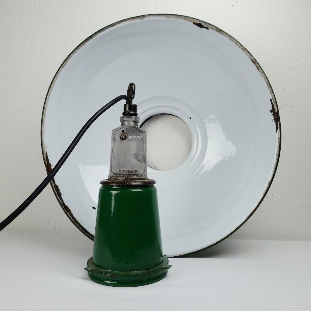 Grand plafonnier industriel emaill vert et blanc en vente sur pamono for Plafonnier industriel