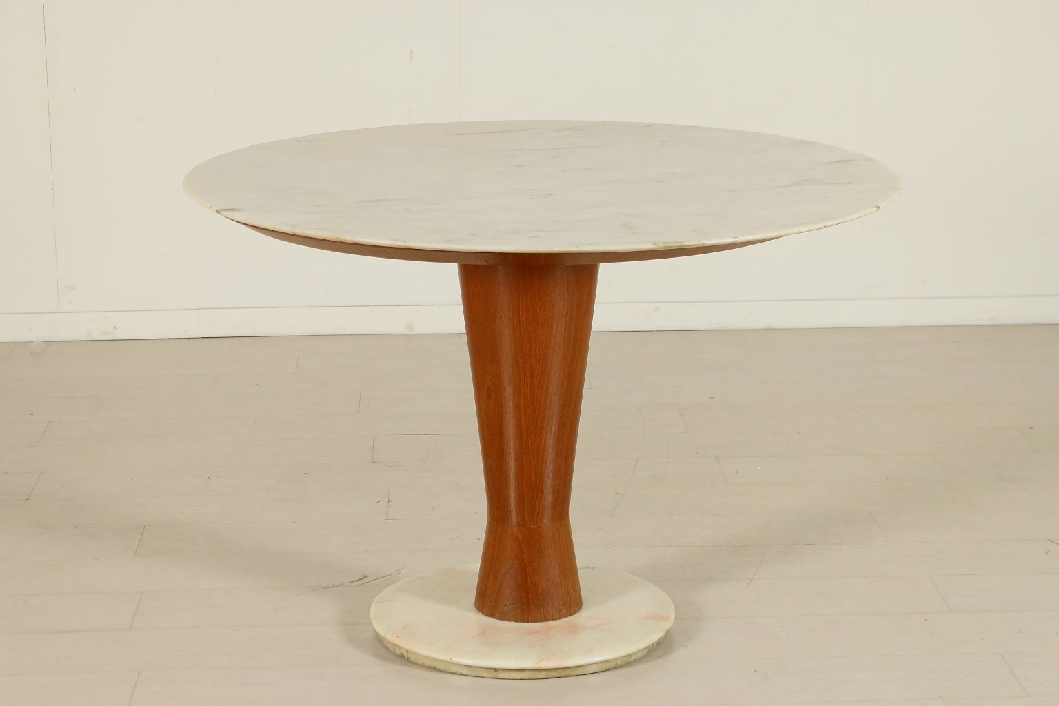 Italian mahogany marble round table 1950s for sale at for Round table 85 ortenau