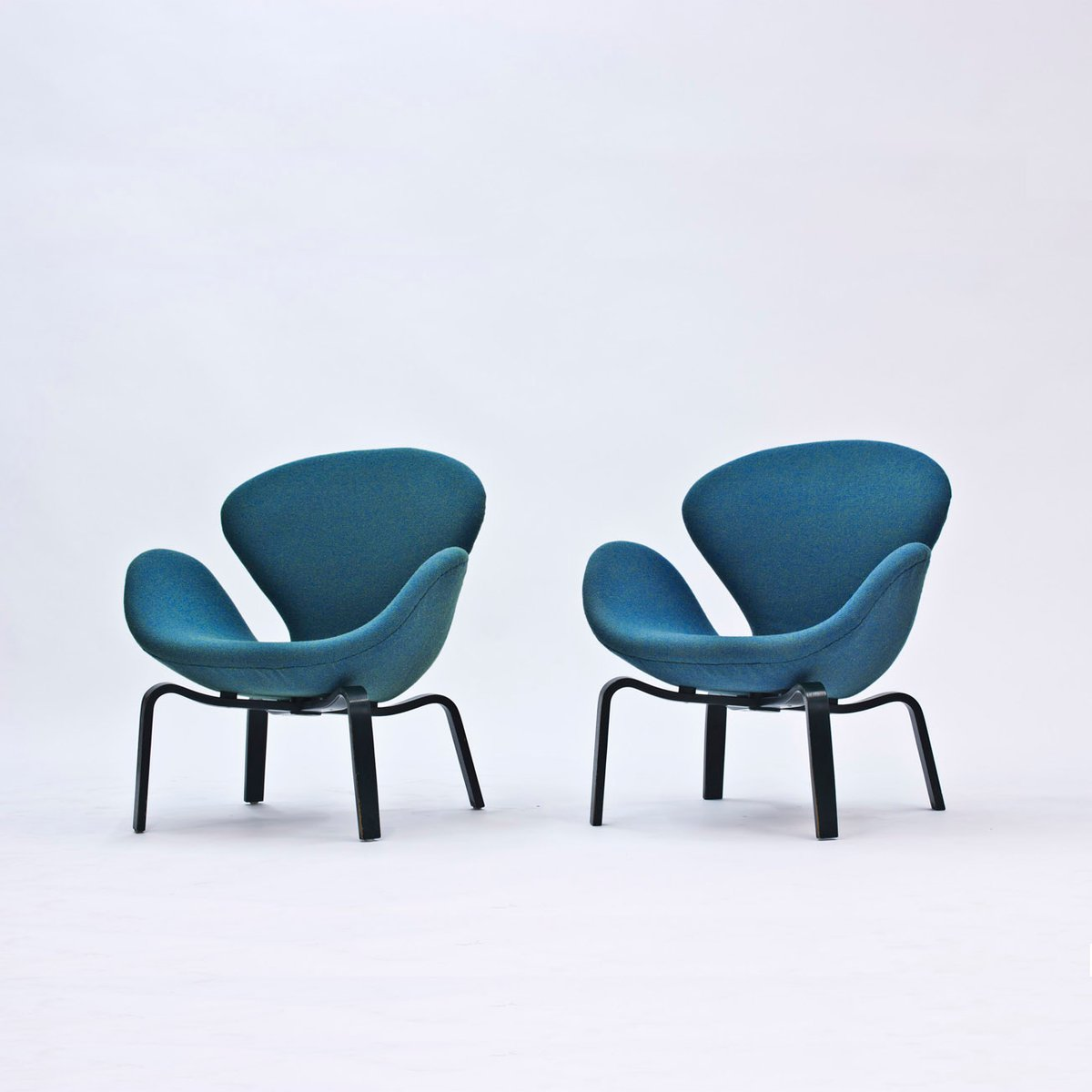 arne jacobsen furniture. swan lounge chairs by arne jacobsen for fritz hansen 1969 set of 2 furniture r