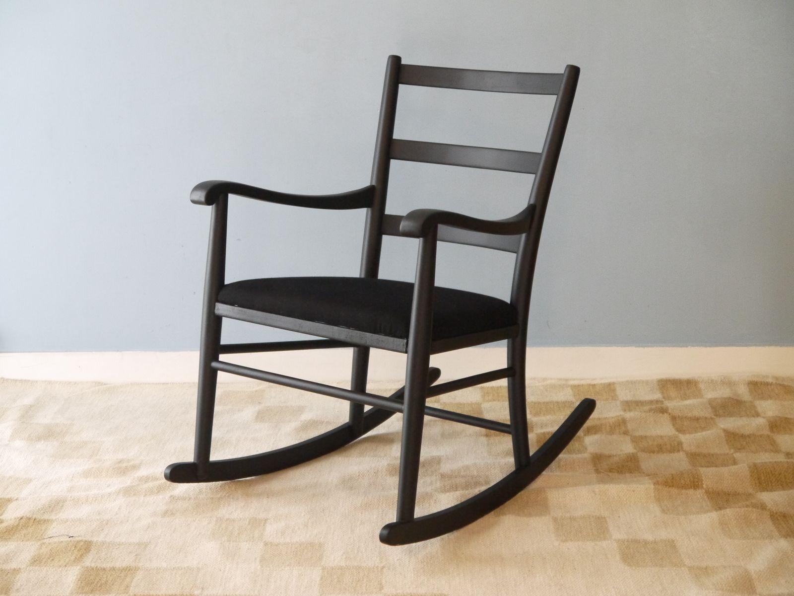 Vintage Rocking Chairs line Shop