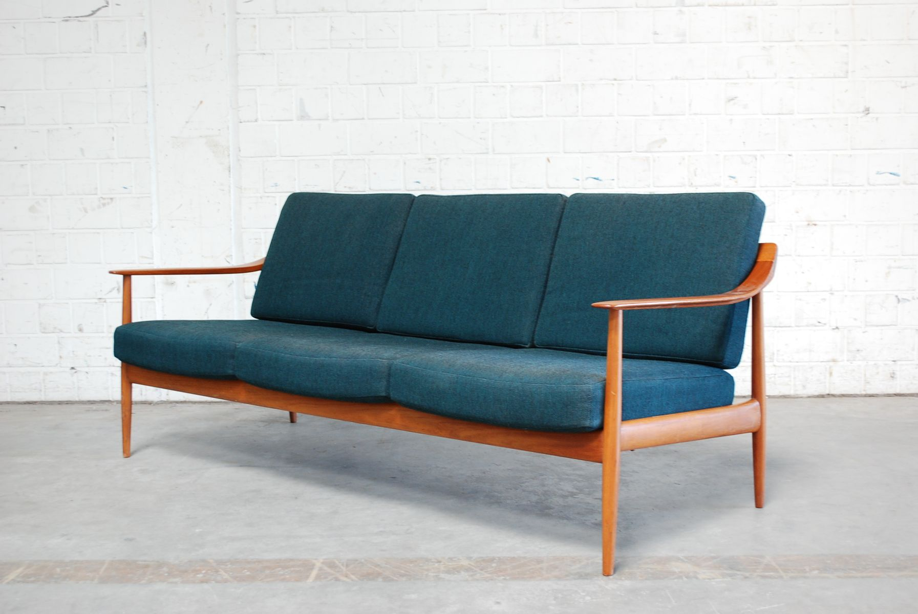 Mid Century Petrol Teak Sofa From Knoll Antimott For Sale At Pamono