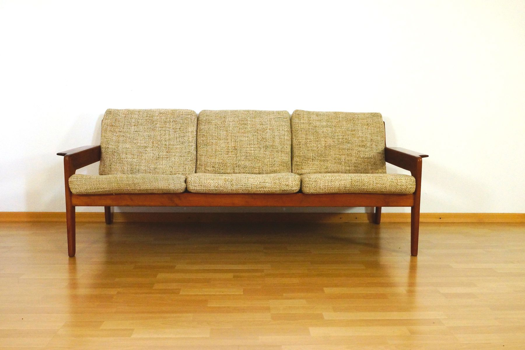 danish three seater teak sofa by arne wahl iversen for komfort 1960s for sale at pamono. Black Bedroom Furniture Sets. Home Design Ideas