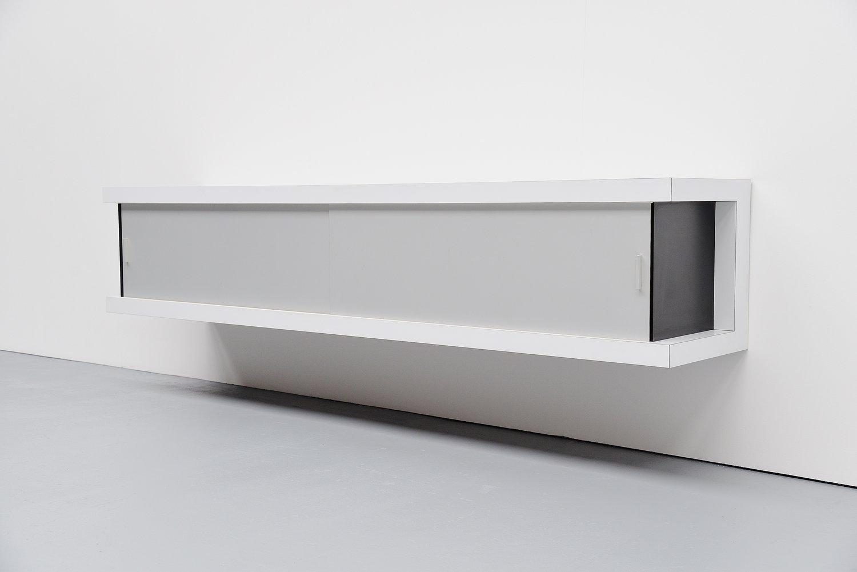 deutsches schwebendes wei es sideboard von horst br ning f r behr 1967 bei pamono kaufen. Black Bedroom Furniture Sets. Home Design Ideas