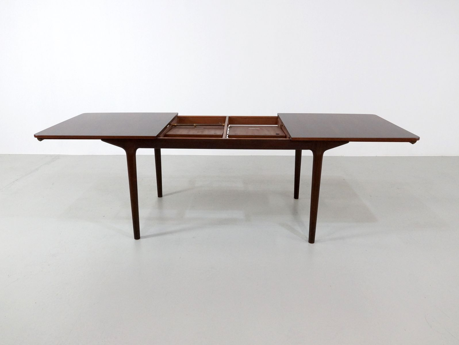 British Extendable Rosewood Dining Table from McIntosh  : british extendable rosewood dining table from mcintosh 1971 4 from www.pamono.co.uk size 1597 x 1200 jpeg 62kB