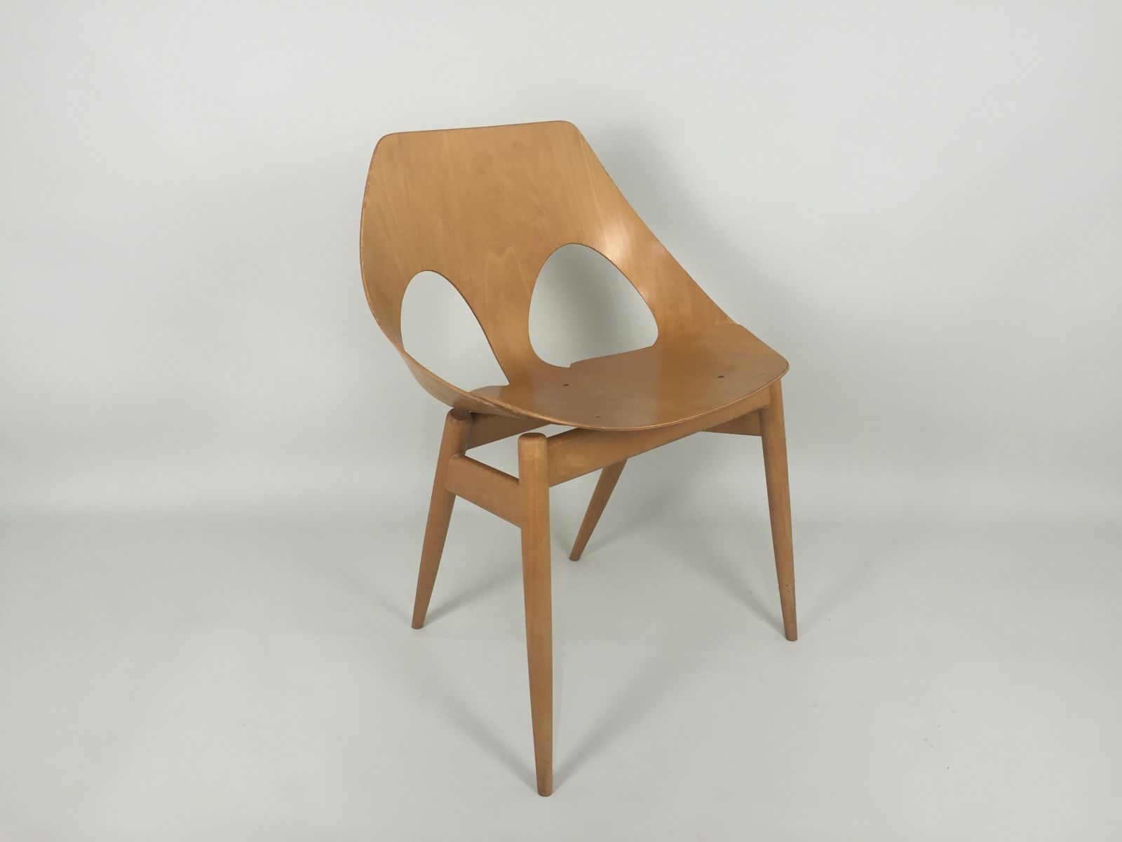 British jason bent plywood chair by carl jacobs and frank guille for