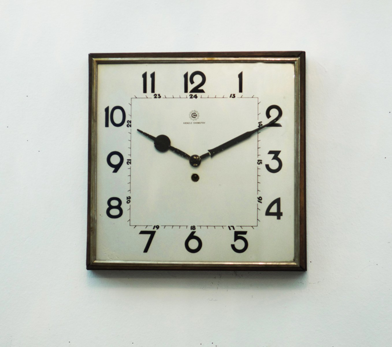grosse horloge murale bauhaus de kienzle 1930s en vente. Black Bedroom Furniture Sets. Home Design Ideas