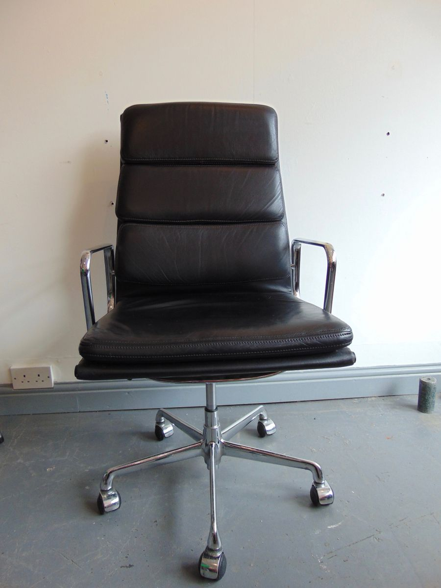 Vintage italian high back soft pad leather office chair by for Chair in italian