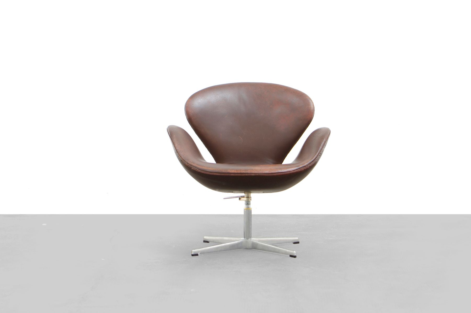 3320 swan chair by arne jacobsen for fritz hansen 1957 for sale at pamono - Fauteuil swan arne jacobsen ...