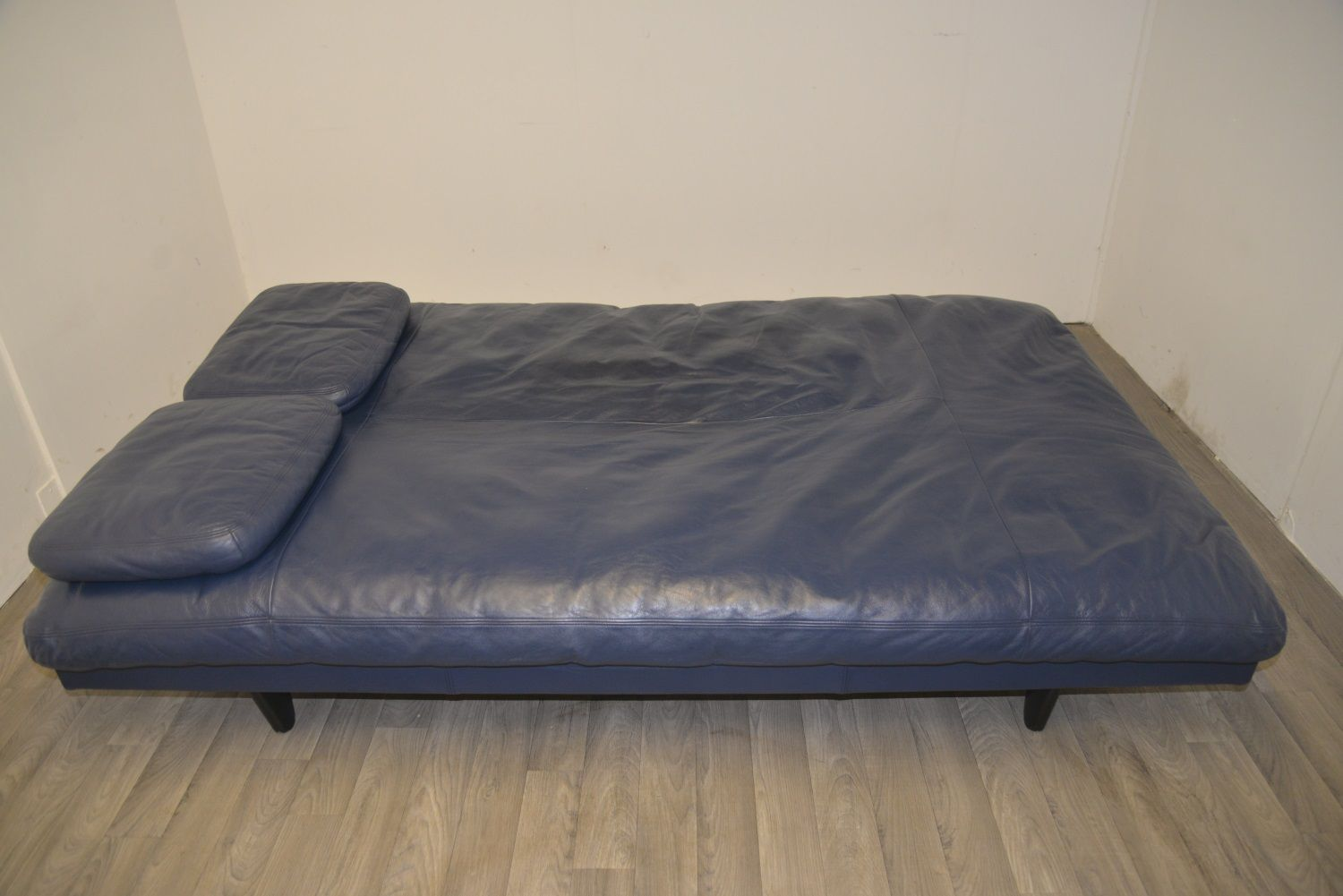 Swiss Blue Leather Daybed From De Sede 1970s For Sale At
