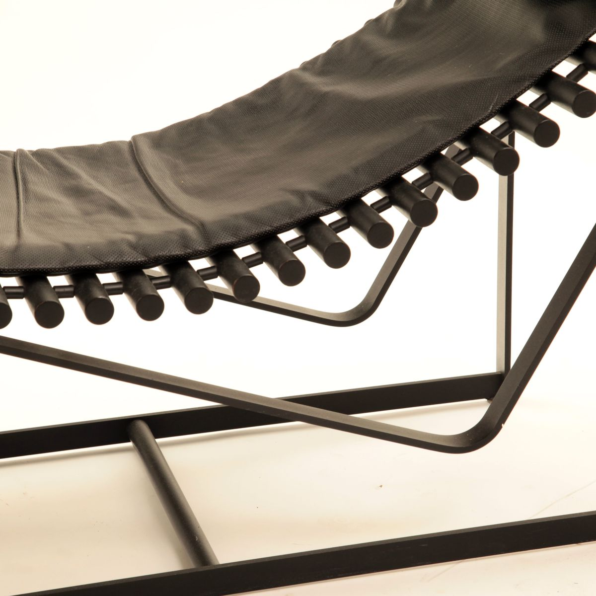 Italian modern chaise lounge from saporiti 1970s for sale for Chaise italienne design