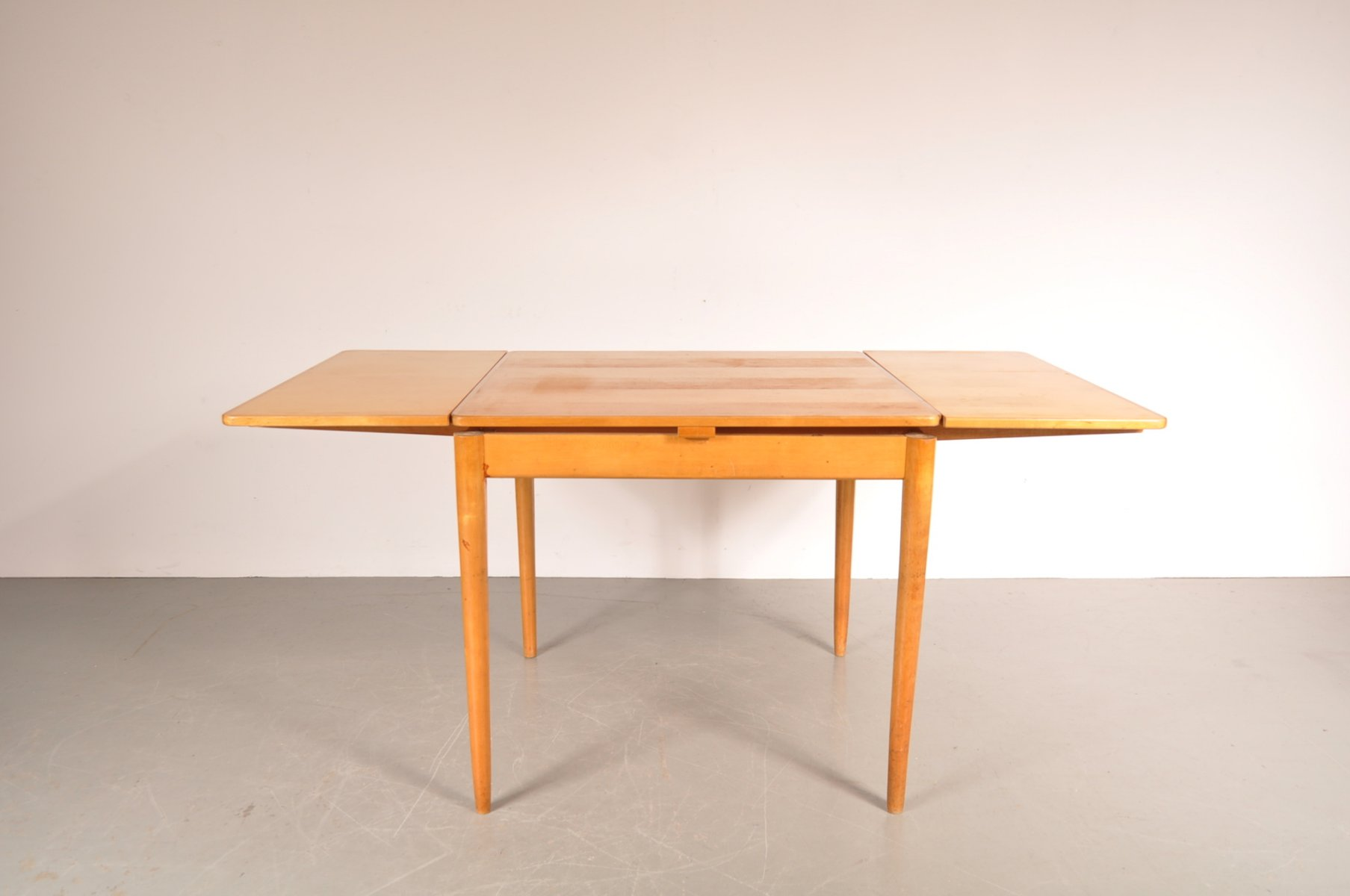 Table salle a manger carree extensible maison design for Table carree de salle a manger