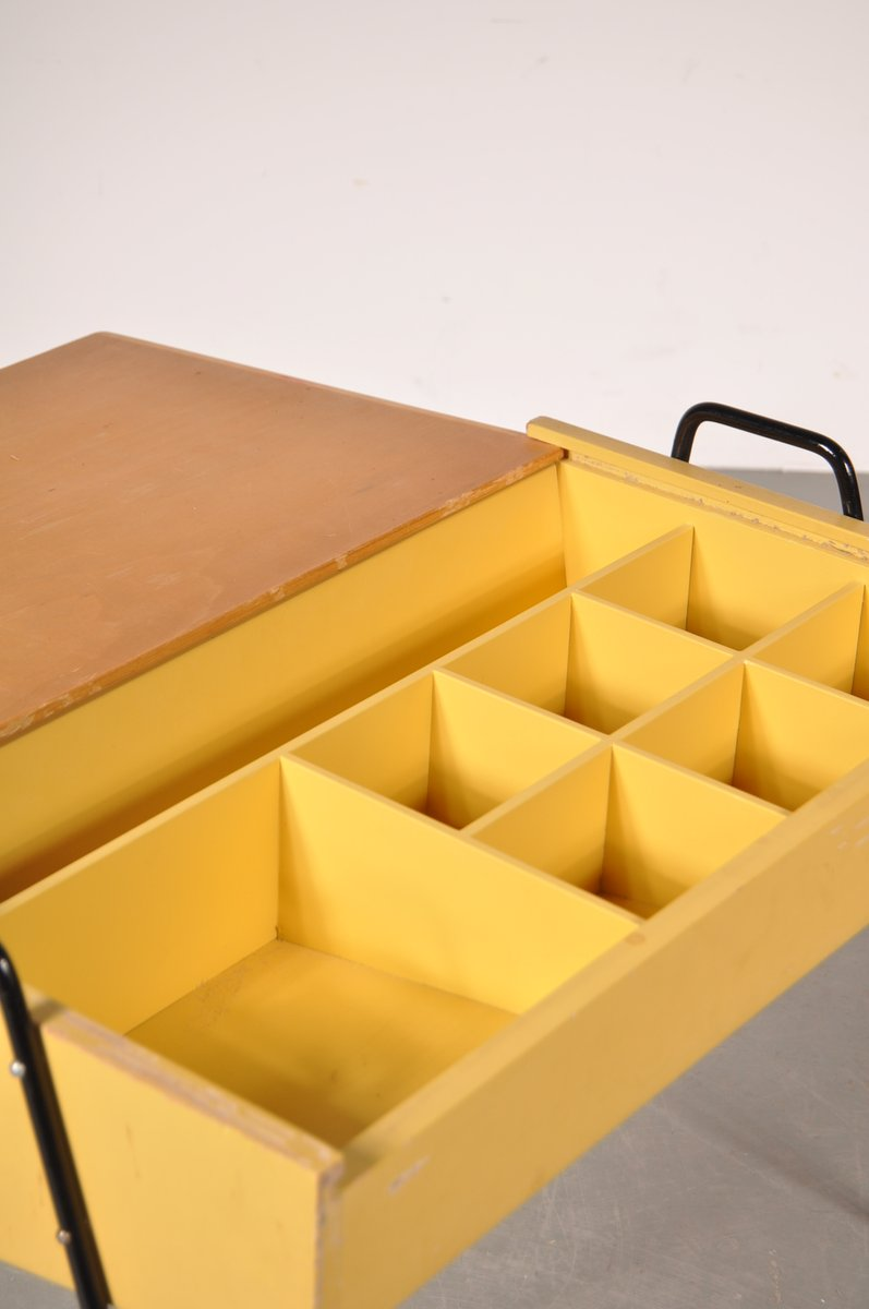 niederl ndisches n hk stchen aus gelbem holz und schwarzem metall von coen de vries f r pilastro. Black Bedroom Furniture Sets. Home Design Ideas