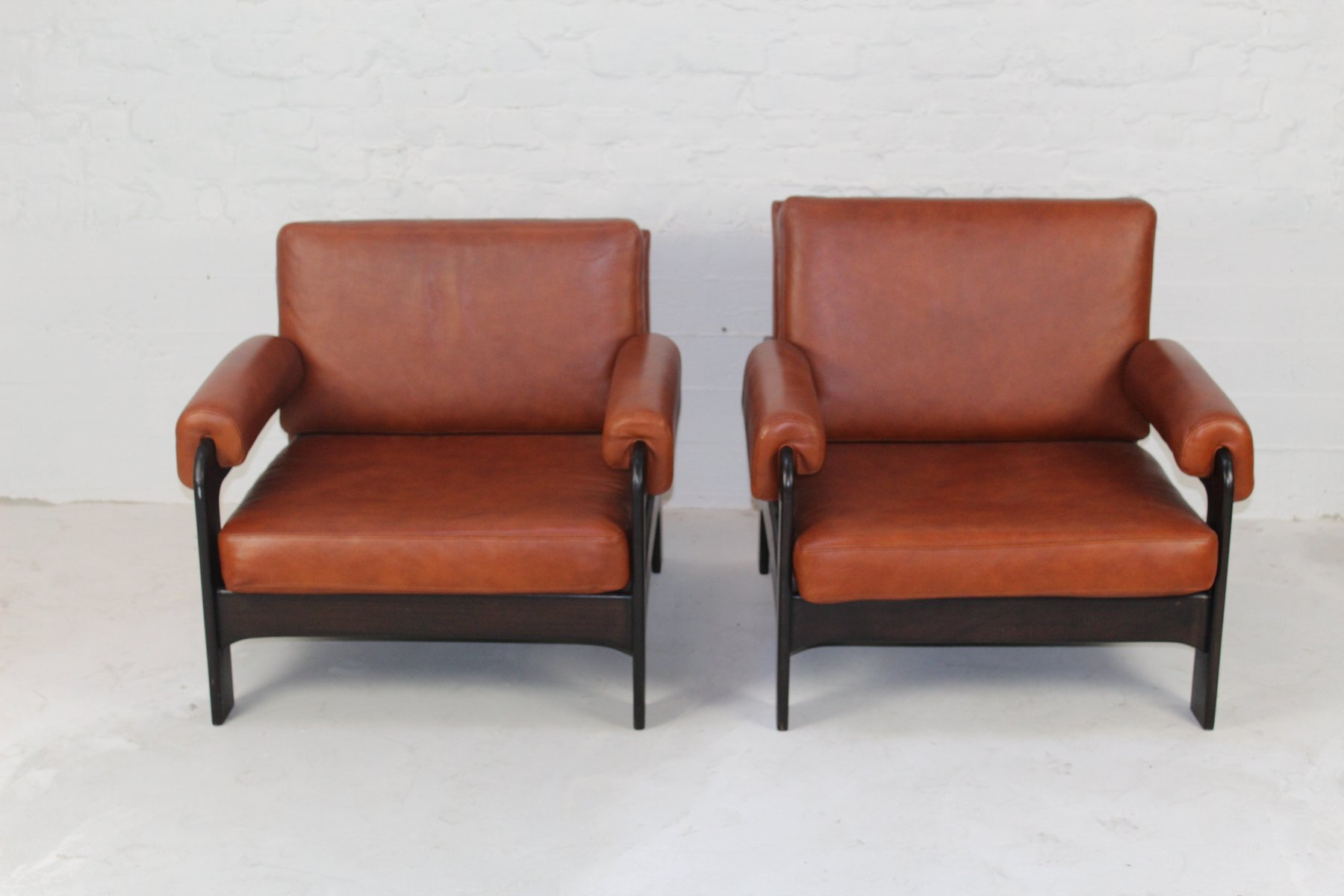 Mid Century Cognac Leather Armchairs Set of 2 for sale at Pamono