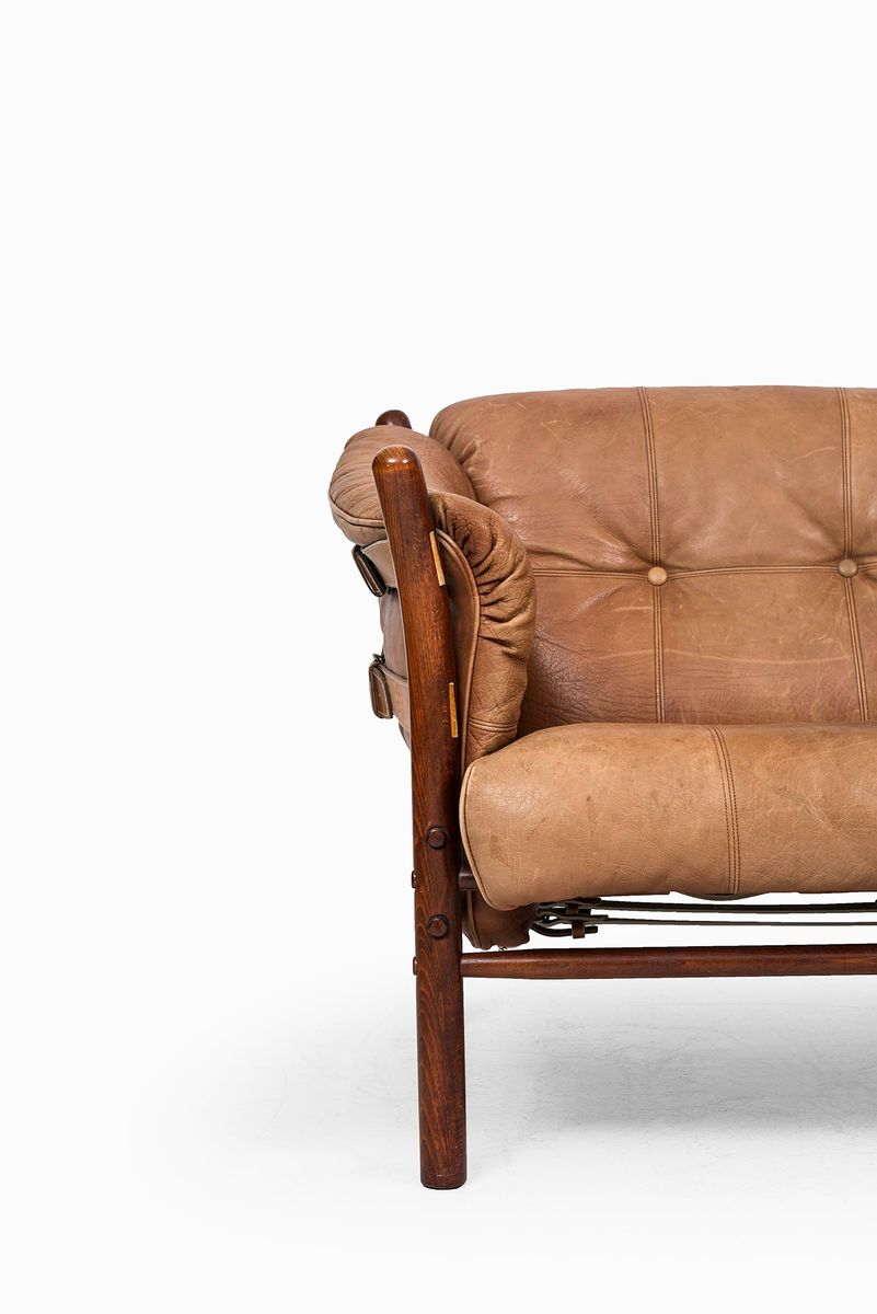 cognacfarbenes ilona sofa von arne norell f r arne norell. Black Bedroom Furniture Sets. Home Design Ideas