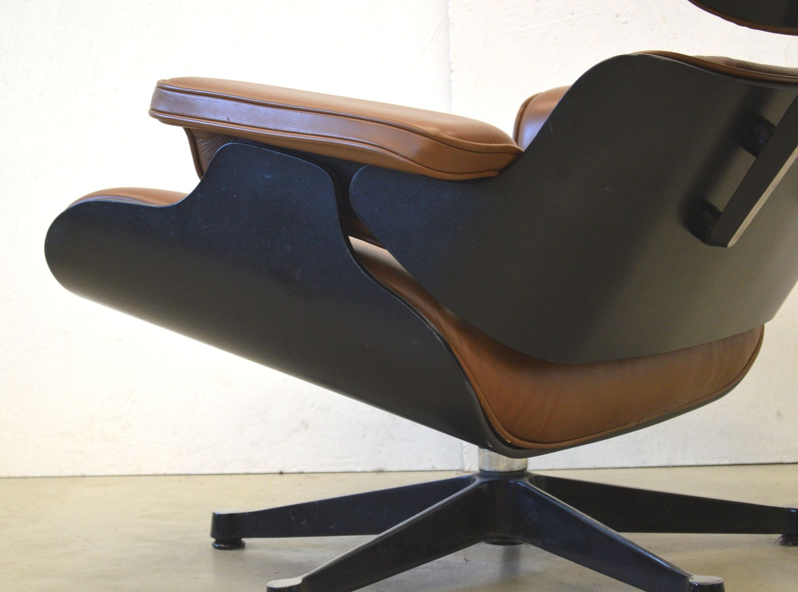 mid brown leather lounge chair ottoman by charles ray. Black Bedroom Furniture Sets. Home Design Ideas