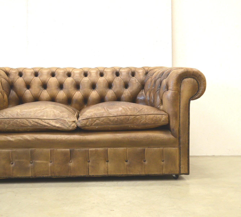englisches vintage chesterfield zwei sitzer sofa aus braunem leder 1960er bei pamono kaufen. Black Bedroom Furniture Sets. Home Design Ideas