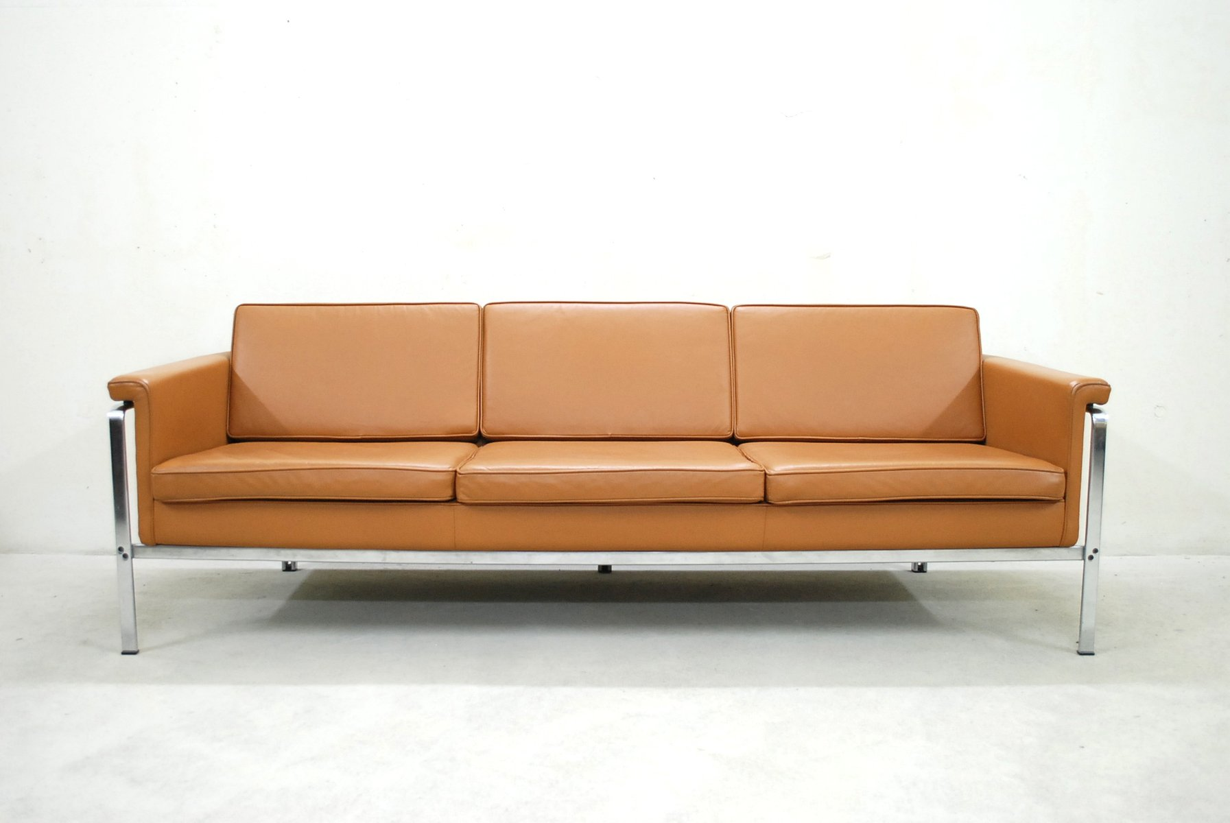 german 6913 cognac leather sofa by horst br ning for kill. Black Bedroom Furniture Sets. Home Design Ideas