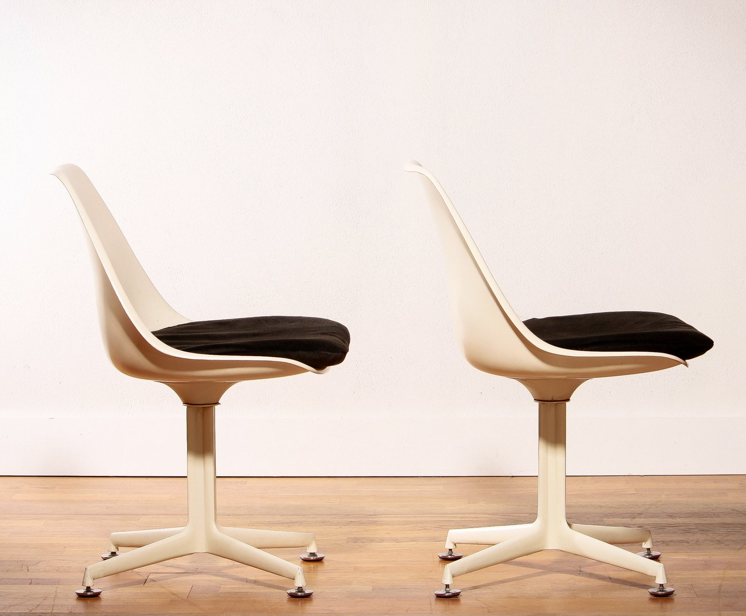 Tulip chairs by maurice burke for arkana 1960s set of 2 for sale at pamono - Tulip chairs for sale ...