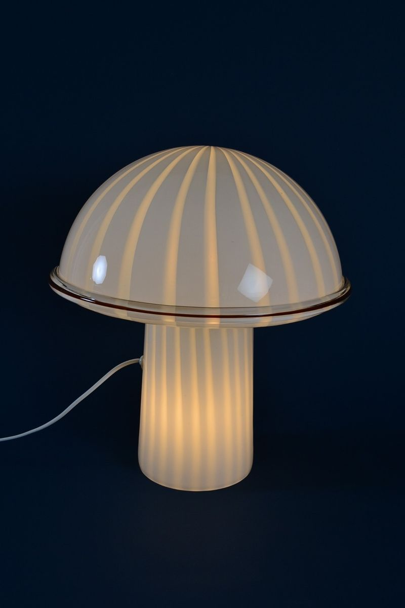 italienische onfale tavolo grande tischlampe aus opal und murano glas von luciano vistosi von. Black Bedroom Furniture Sets. Home Design Ideas