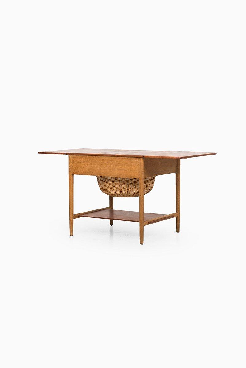 table de couture at33 par hans j wegner pour andreas tuck 1950s en vente sur pamono. Black Bedroom Furniture Sets. Home Design Ideas