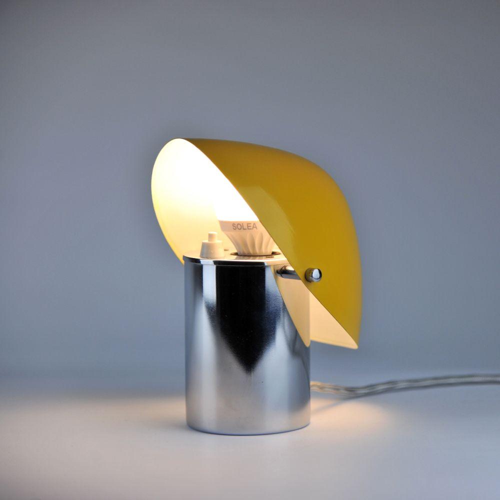 kleine tschechische tischlampe von josef hurka f r napako. Black Bedroom Furniture Sets. Home Design Ideas