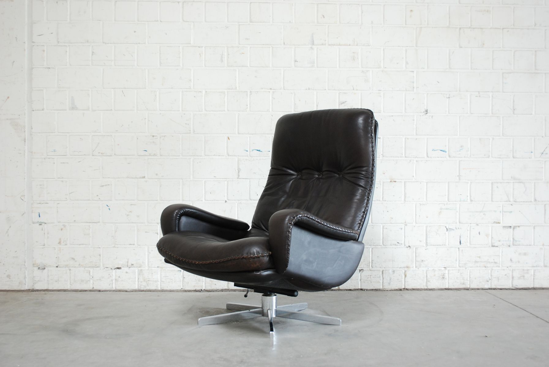vintage swiss brown leather lounge chair from de sede 1970s for