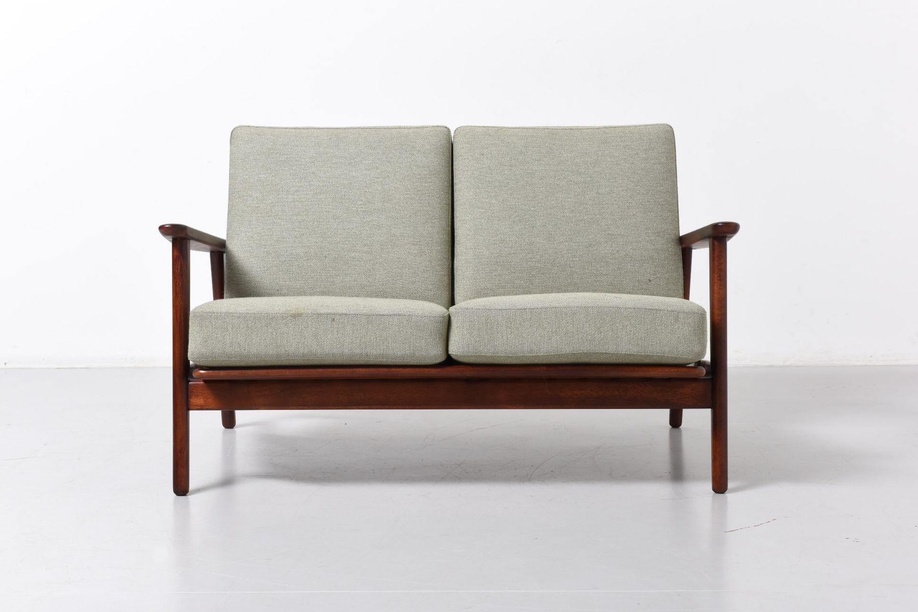 mid century ge 233 zwei sitzer sofa von hans j wegner f r getama bei pamono kaufen. Black Bedroom Furniture Sets. Home Design Ideas
