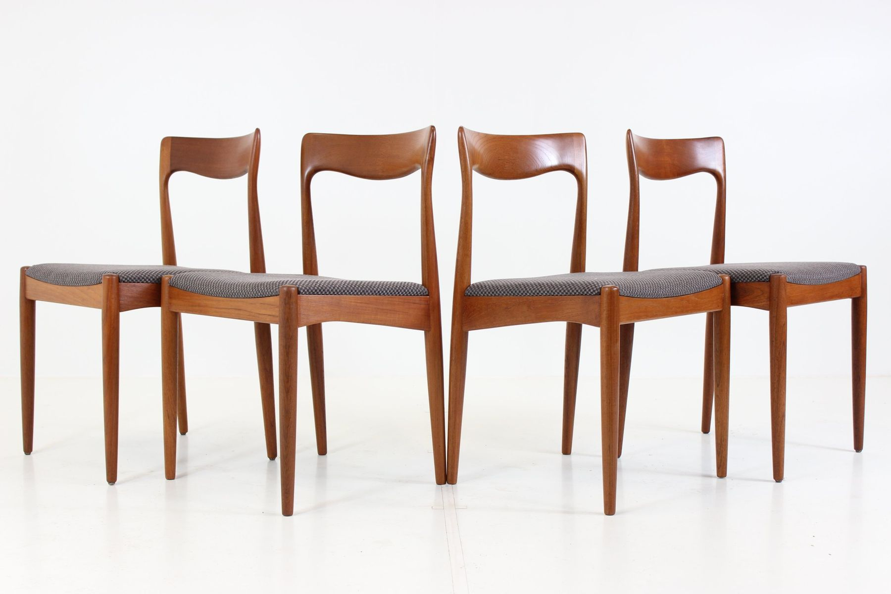 Mid Century Organic Dining Chairs By Arne Vodder For Vamo