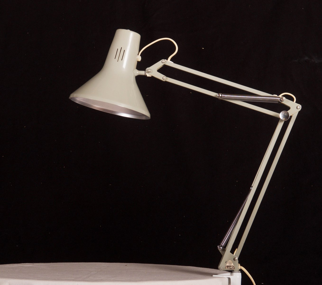 small grey desk lamp from luxo for sale at pamono - price per piece