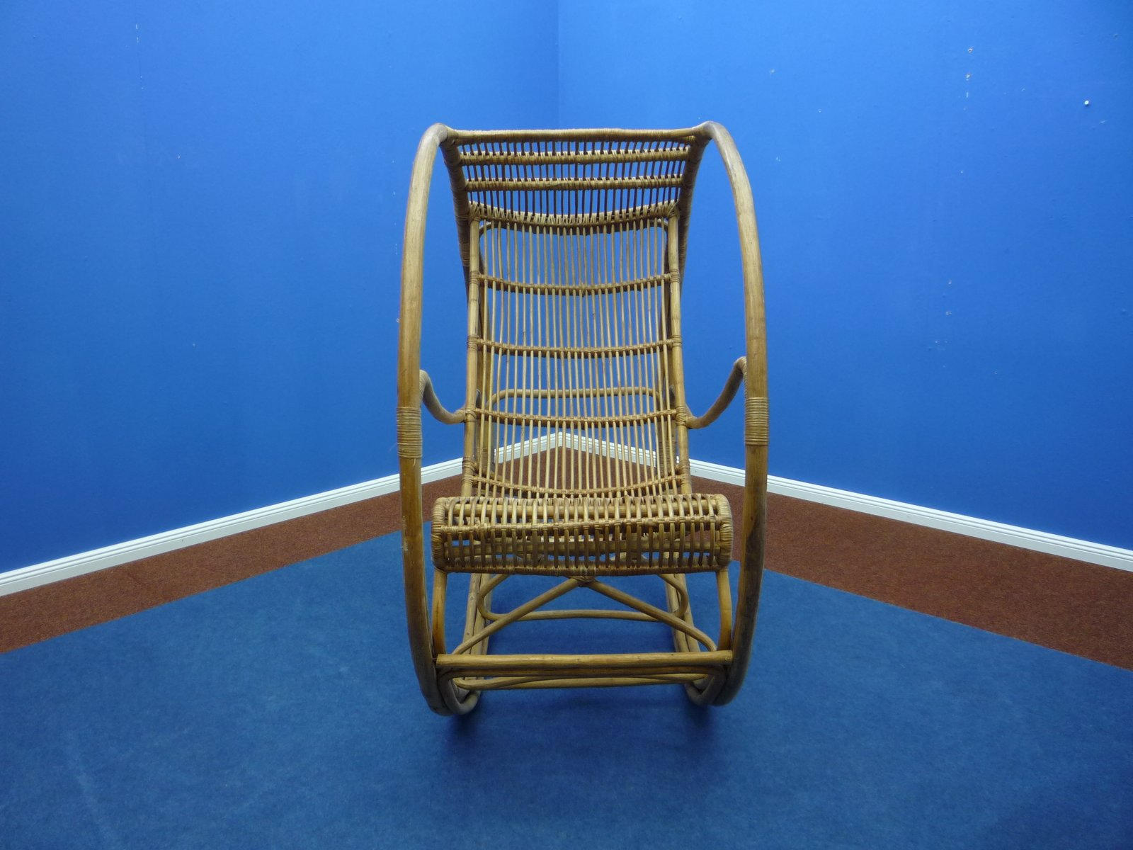 rattan korbgeflecht schaukelstuhl 1960s bei pamono kaufen. Black Bedroom Furniture Sets. Home Design Ideas