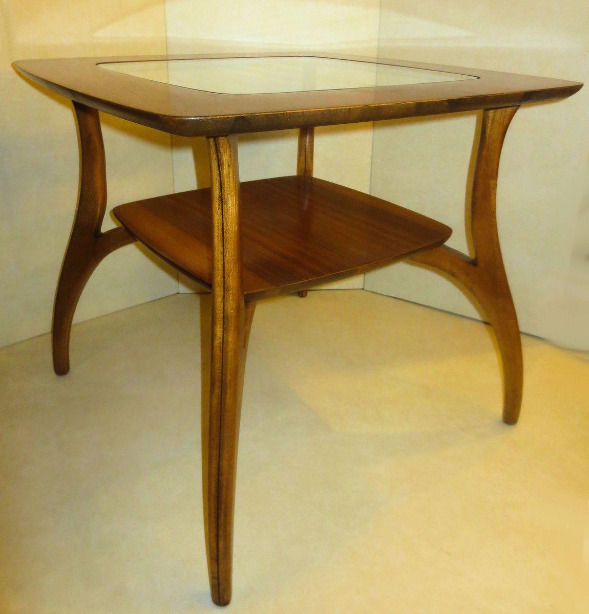 nussholz tisch mit glasplatte und geschwungenen beinen von. Black Bedroom Furniture Sets. Home Design Ideas