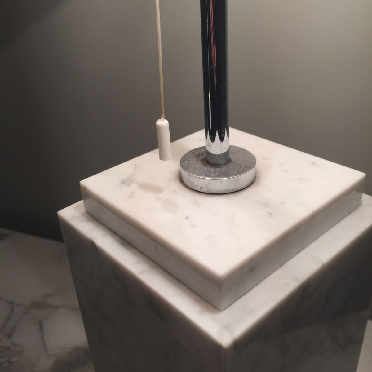 white carrara marble lamp from knoll 7 price per piece - White Carrara Marble