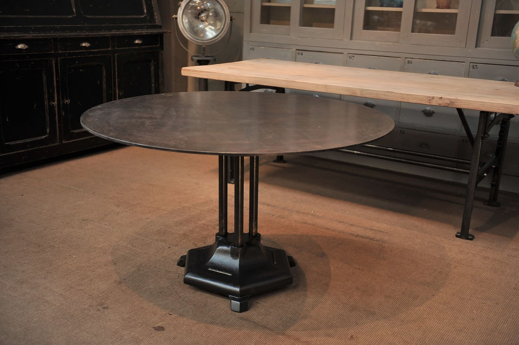 French industrial round iron dining table 1930s for sale - Table ronde industrielle ...