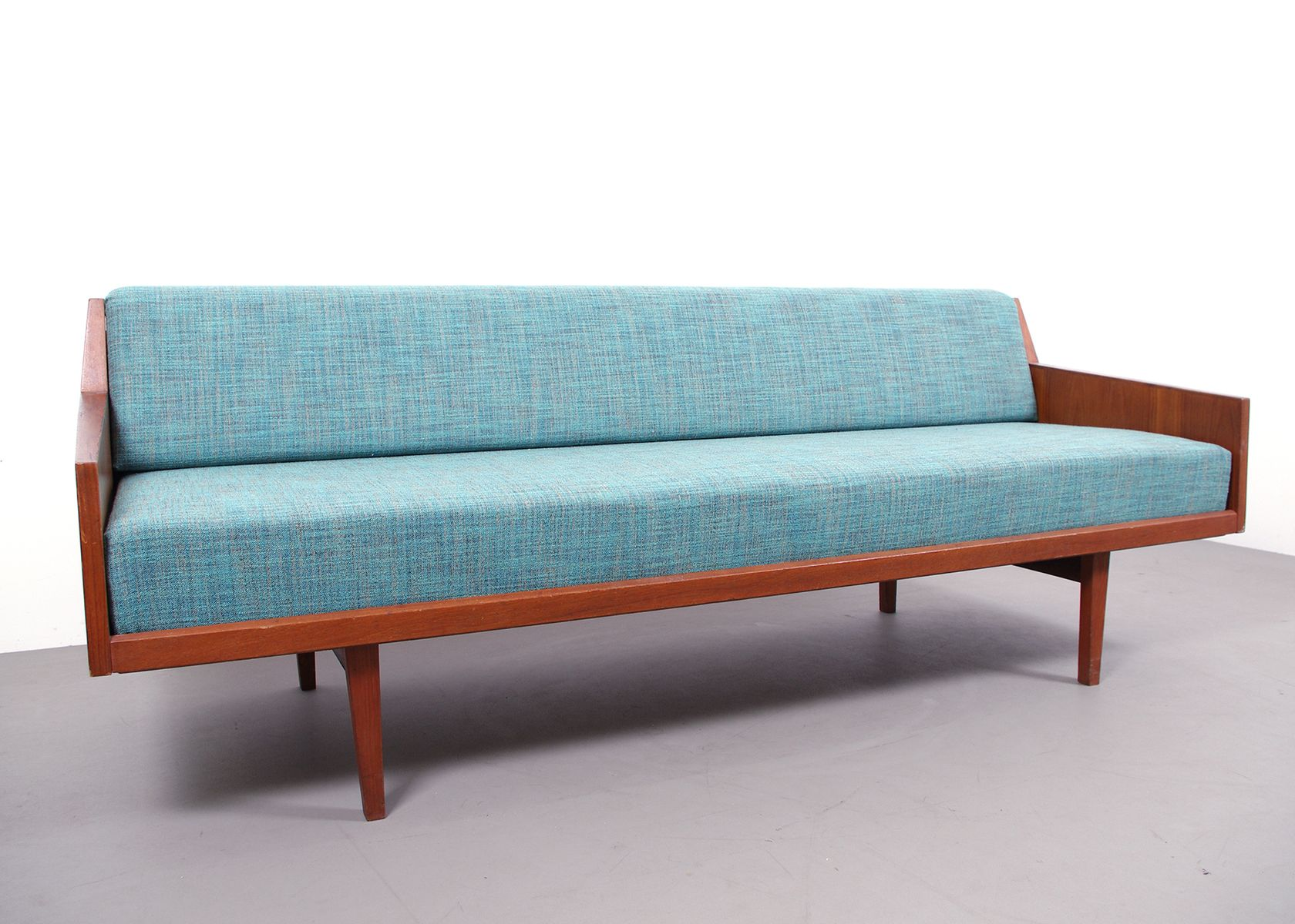 Daybed danish  Danish Daybed from Horsnaes Møbler, 1960s for sale at Pamono